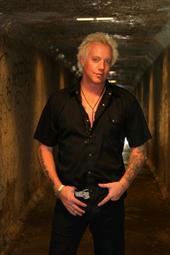Jani Lane (Warrant) performs vocals on SOTU debut album
